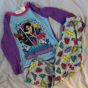 DC SuperHero Girls fleece pajama set size 7/8
